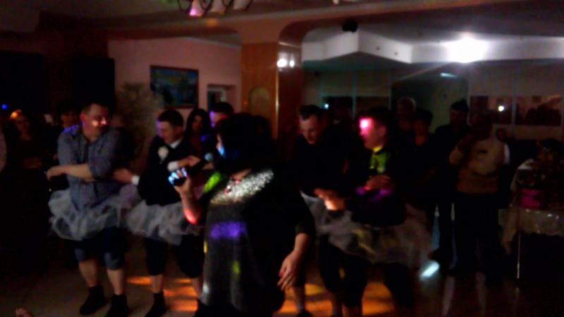 Танец лебедей в исполнении самых артистичных парней) Давно я так искренне не улыбалась