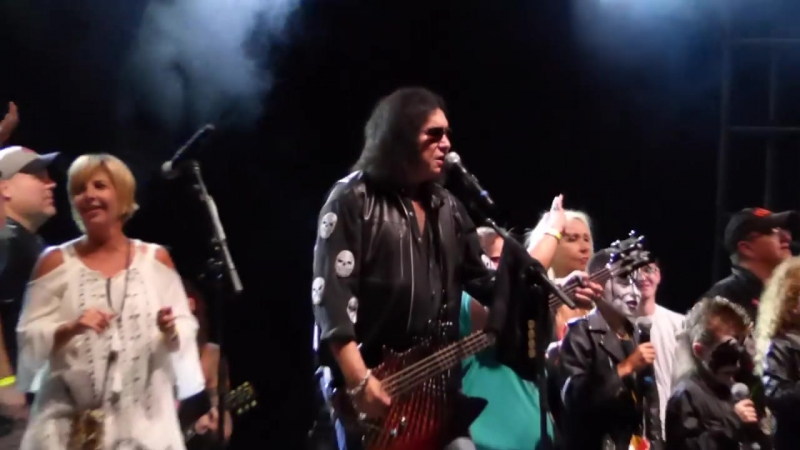 Gene Simmons and Ace Frehley Reunion - Rock and Roll All Night (CHS Field St. Paul MN 2017)