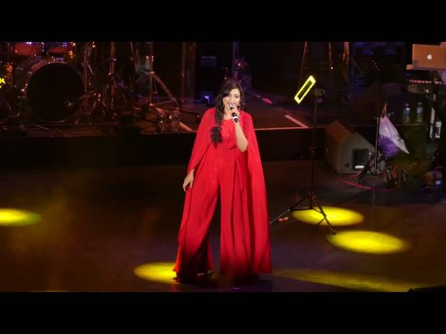 Shreya Ghoshal-Silsila Yeh Chaahat Ka - Eventim Apollo London 2016