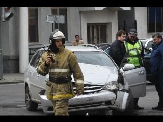 Авария на перекрестке Пушкина/Думская, Омск (05.07.2017)