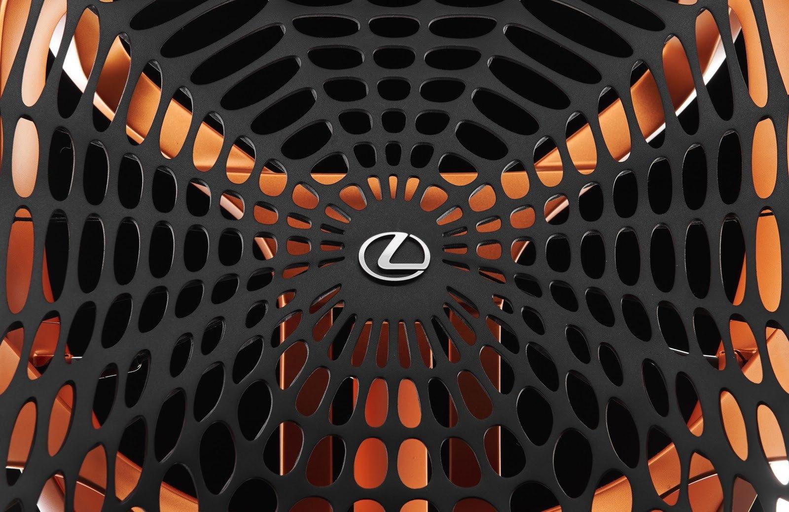 Lexus создал кресло-паутину