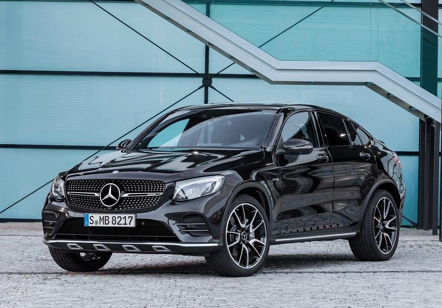 Daimler AG представит в Париже четыре новинки