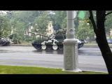 Танк снёс столб во время репетиции парада ко Дню Республики. Минск