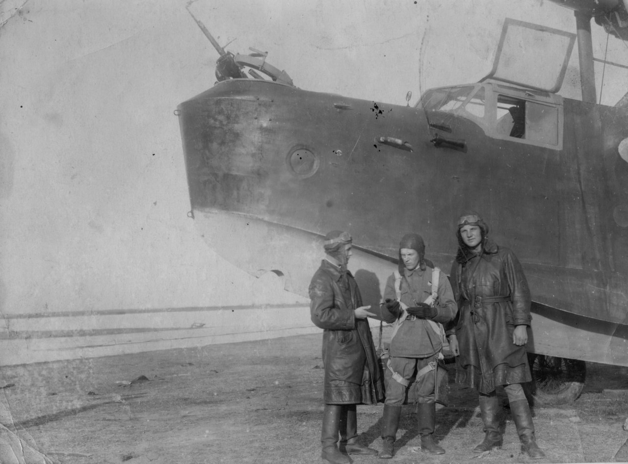 экипаж МБР-2 из 64-й ОМРАЭ - Донузлав 41-й год .
