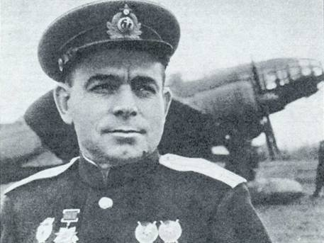 Виктор Павлович Канарёв , командир 119-го МРАП