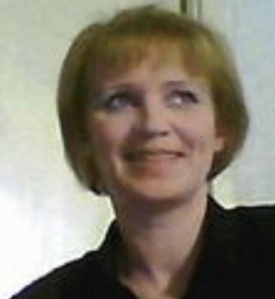 Лариса Суханова