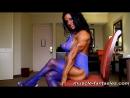 Накаченная девушка Debbie Bramwell показывает свои прелести (бодибилдинг, big tits, erotic)