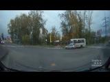 ПАЗ на красный въехал в ВАЗ-2114. Архангельск