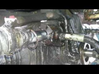 Рулевой цилиндр ЛТЗ-60АВ после поломки.
