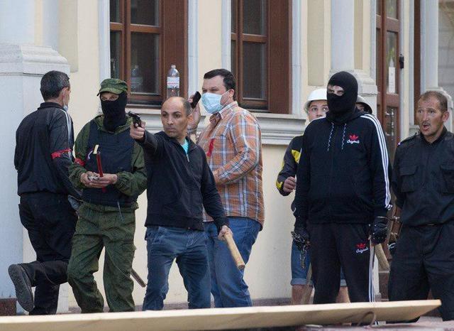 Два человека получили телесные повреждения во время массовых мероприятий 1 мая в Херсоне, - полиция - Цензор.НЕТ 7988