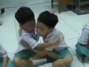 Как дети начинают учебный день в Таиланде