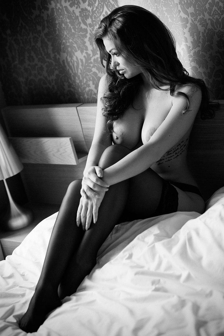 Big breasts nipple video clip trailers