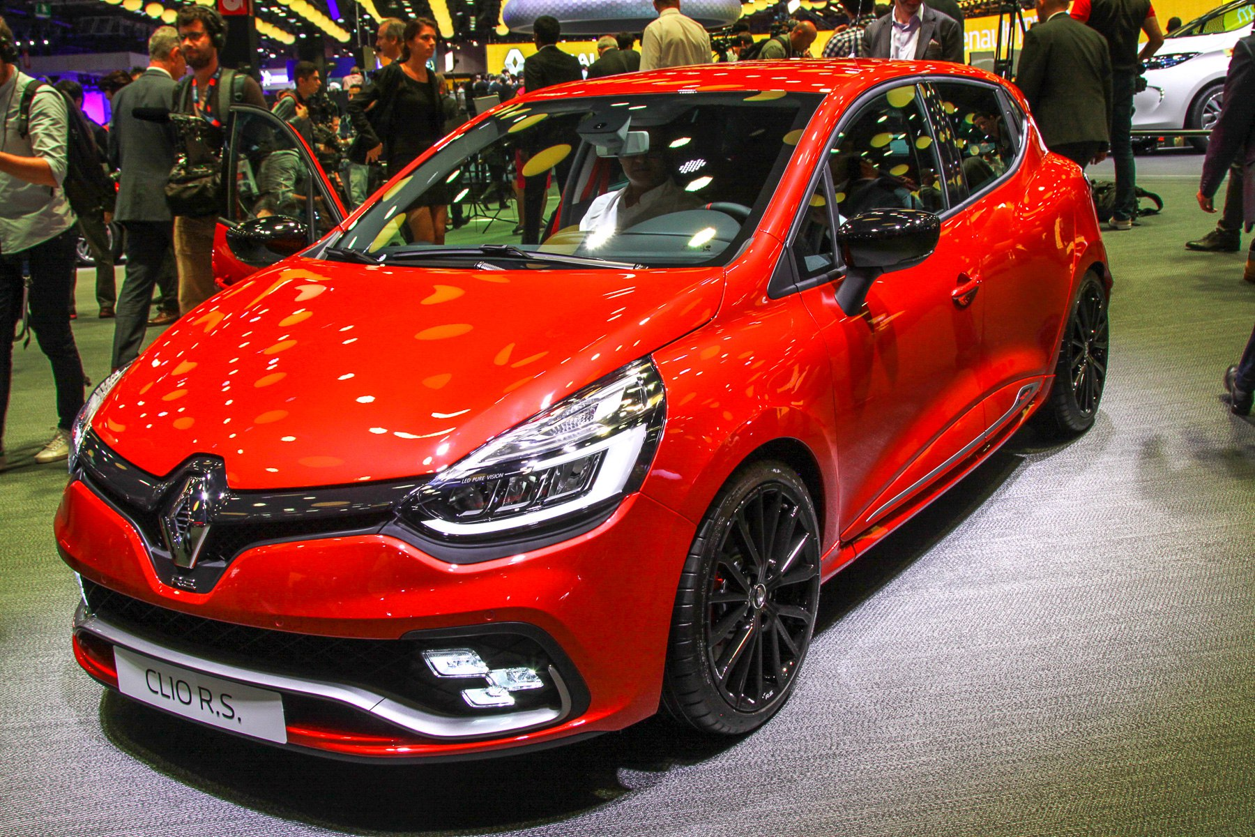 Renault обновила свой европейский бестселлер