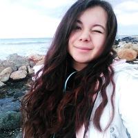 Лола Мангова