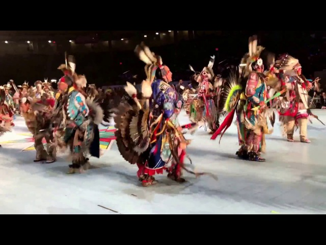 Men's No Traditional Sat 2017 Gathering of Nations PowWow