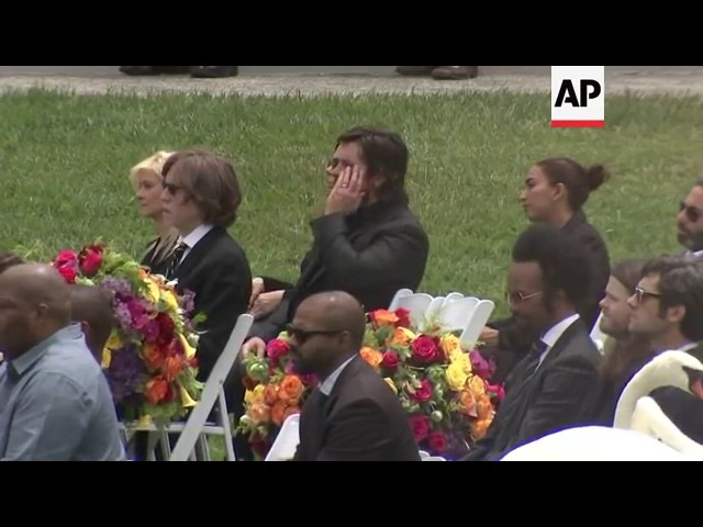 Честер Беннингтон на похоронах Chris Cornell's Корнелл Полное Видео HD