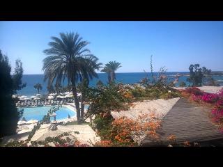 Вид из отеля на Кипре днем