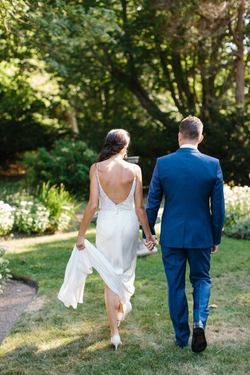 Удивительно романтическое событие - свадьба на берегу океана. Найти ведущего на свадьбу в Волгограде, ведущий на юбилей, тамада на праздник. Тел +7 (937) 727-25-75(Megafon) или +7 (937) 555-20-20(Beeline) или +7 (937) 540-60-80(MTS)