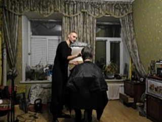 романа чёлка попала под бритву