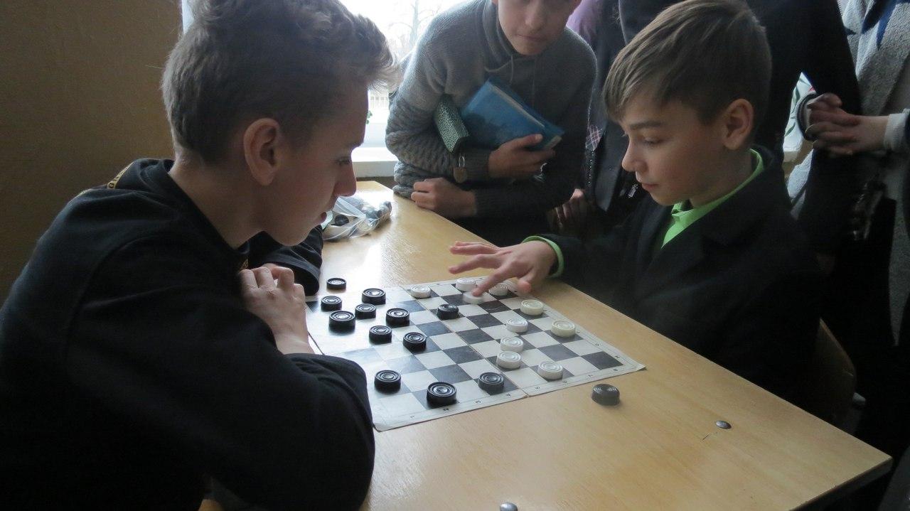 Русское видео в классе под партой фото 645-849