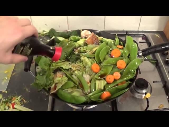 уебан готовит салатик