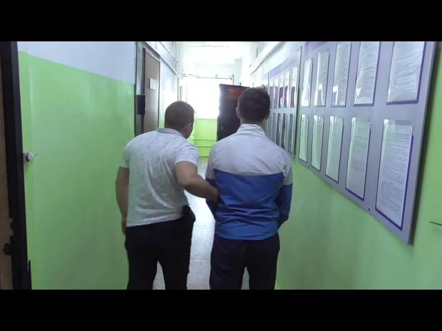 В Иркутске грабители в масках напали на женщину в подъезде