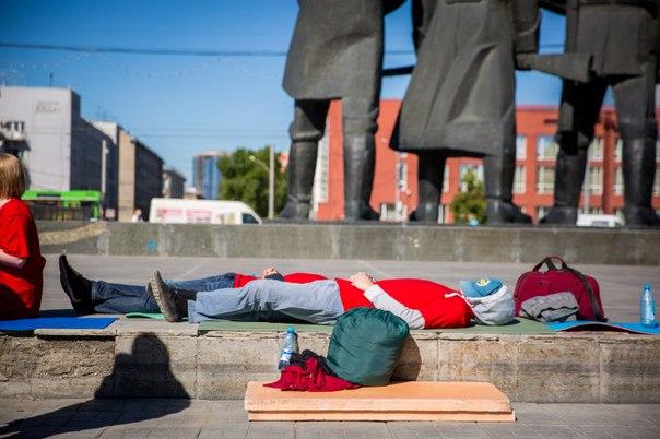 Взяли изморомВласть пошла навстречу голодающим дольщикам — эксперты о