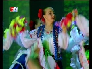 Яркие костюмы и самобытные танцы. Для первоуральцев организовали отчётный концерт Образцовой балетной студии Галины Круговых.