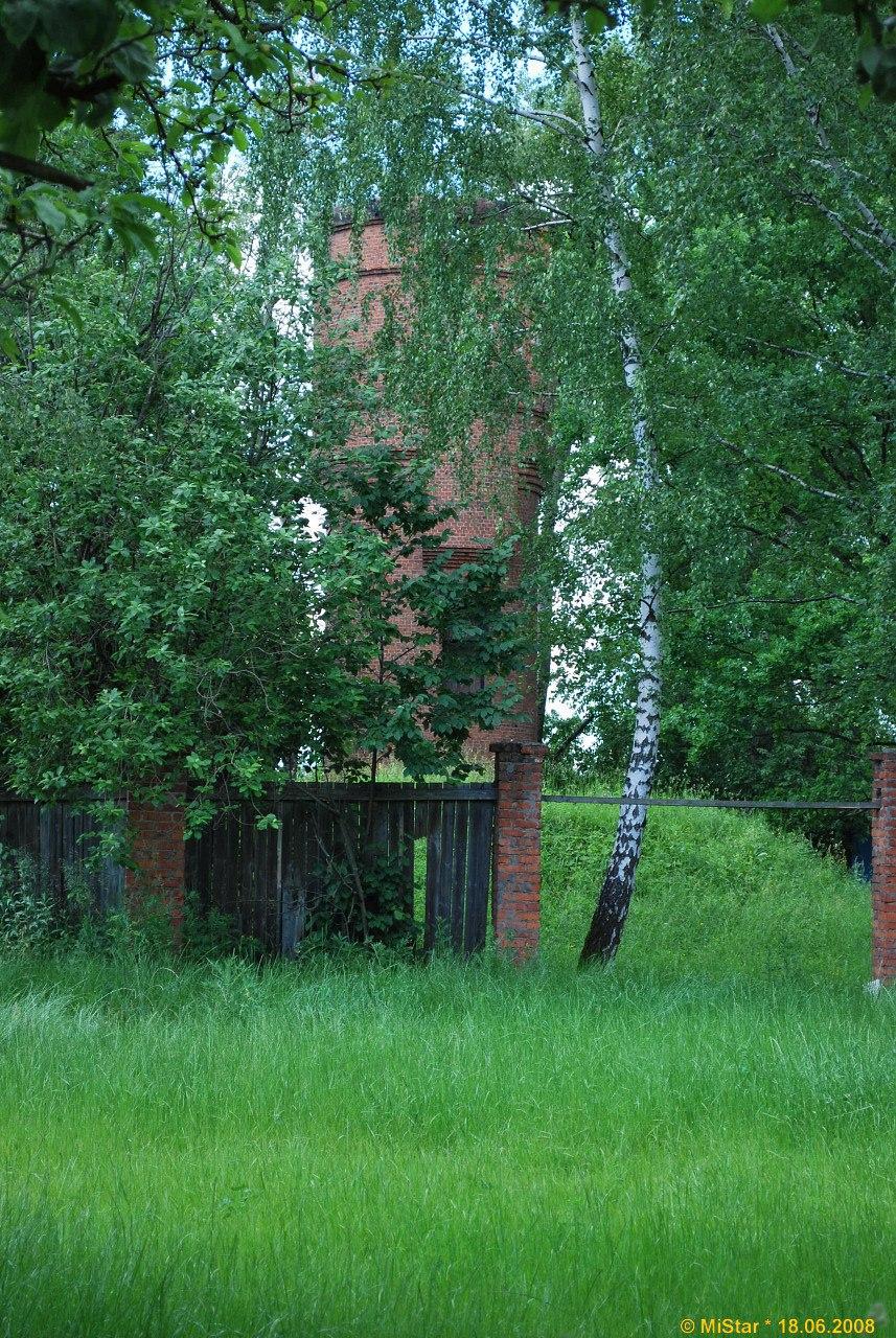 Водонапорная башня в ландшафтном парке «Митино»