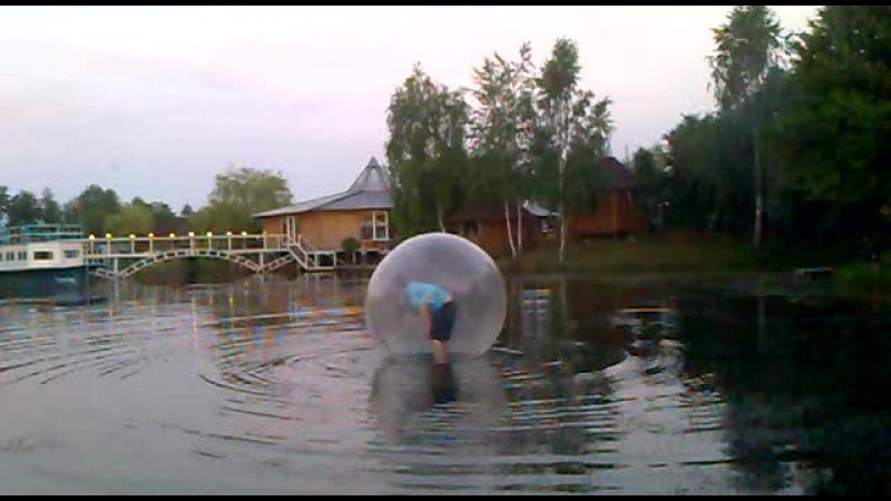 Я в шаріку... на Олежкову днюху...