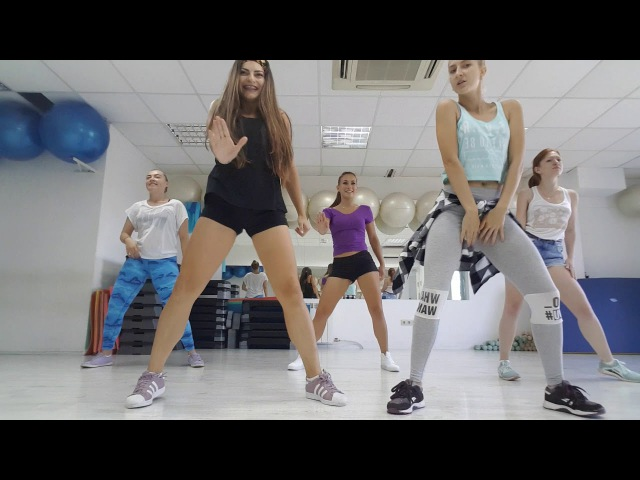 Daddy Yankee feat Arcangel - Panamiur - Reggaeton with TurboGals