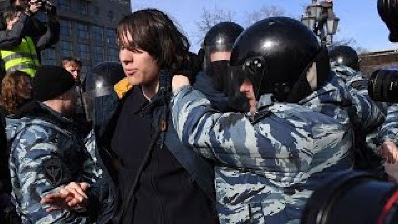 ФИО и адреса полицейских, избивавших людей