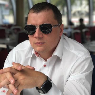 Антон Давыденко