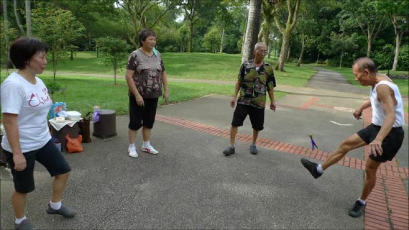 Kicking Jianzi @ AMK sg - June 2012