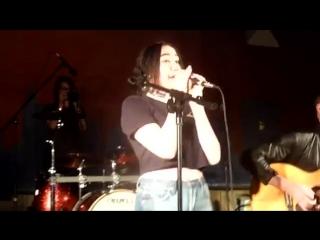 Noah cyrus — im stuck (live from memphis tn 06-01-2017)