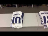 Take a look inside our dressing room at the Camp Nou!