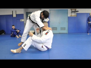 PASSING SIT-UP GUARD: Step Out to Knee on Belly