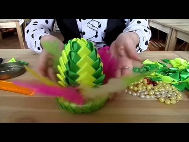 Сувенирное пасхальное яйцо в технике артишок