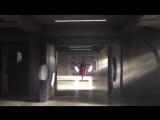 Мелисса Беноист танцует в костюме Супергёрл