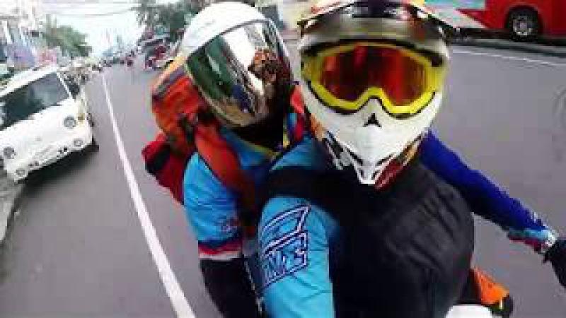 Motorcycle trip from Siem Reap to Koh Rong Samloem (Cambodia)
