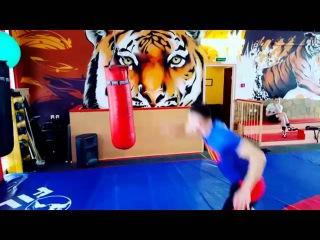 Тренировка Капоэйра Periquito (Артем Горчаков) Quadrado (Ерлан Билисбаев) в СПБ Axe Capoeira