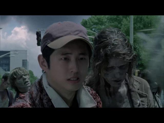 Рик и Гленн маскируются под ходячих