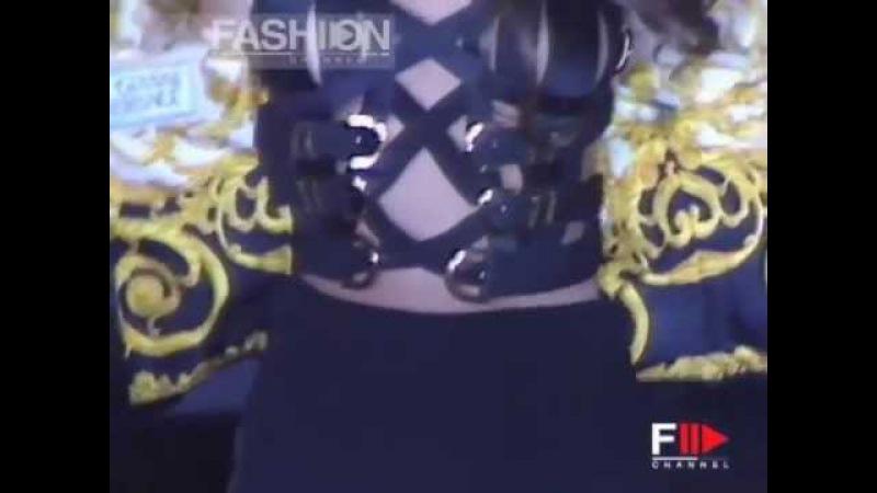 Gianni Versace Autumn Winter 1992 1993 Milan 3 of 3 Pret a Porter Woman by FashionChannel