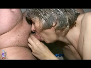 Fat guy gets a blowjob from horny grandma - granny porn