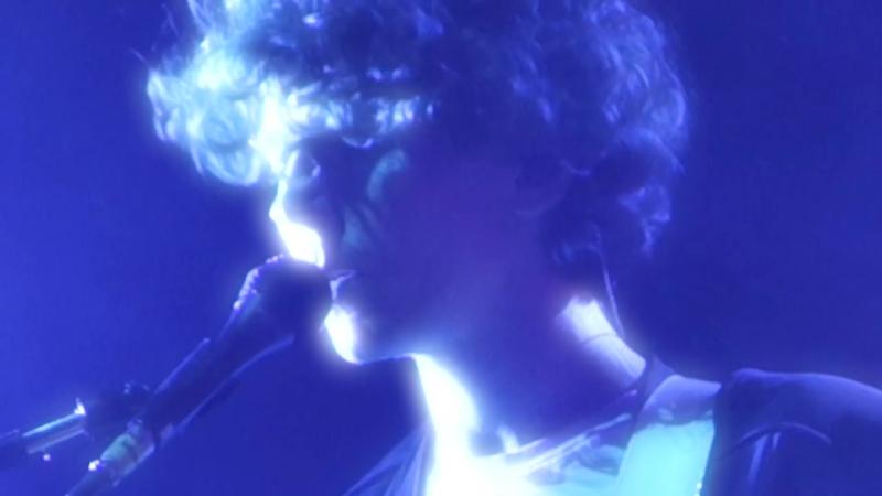 M83 –Walkway Blues (feat. Jordan Lawlor) [Live] 1080p