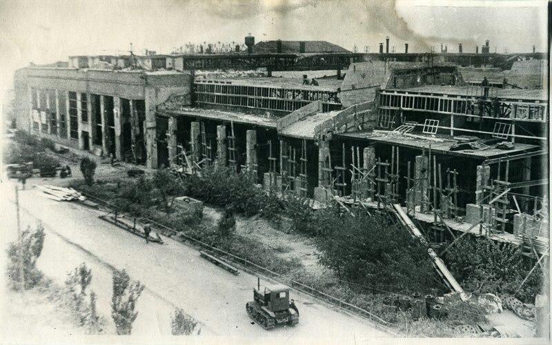 Разрушения сталефассонного цеха СТЗ.1944 год.