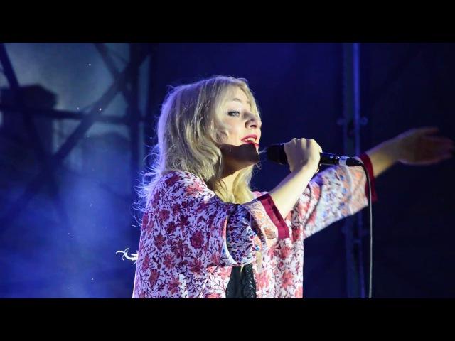 Vivienne Mort – Сліди маленьких рук – live @ День молодежи – Житомир, 24.06.2017