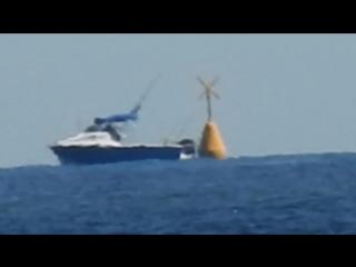 Плоская земля доказательство - Nikon P900 - лодка и буй.