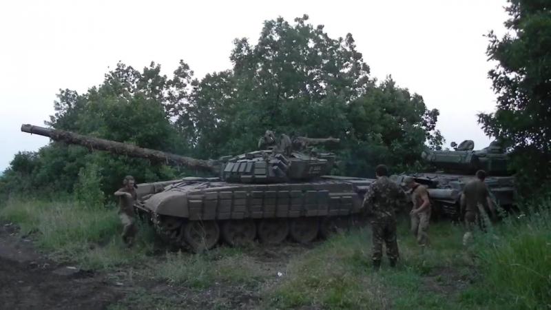 Т-72 помогает Т-64 завестись - Танковий батальйон бригади швидкого реагування Національної гвардії України