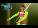 Красотка Эмили Москаленко зажигает на сцене Танцуют все